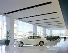 高級車メーカーL ディーラーA店
