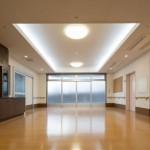 hassei-S県S市介護付有料老人ホーム09_1階 食堂兼機能訓練室 (640x457)